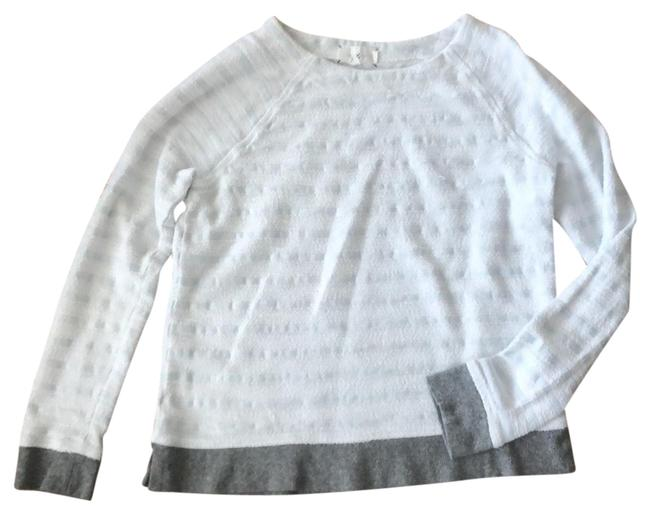 Preload https://img-static.tradesy.com/item/24598059/lou-and-grey-white-with-pale-blue-stripes-trim-pullover-tunic-size-4-s-0-1-650-650.jpg