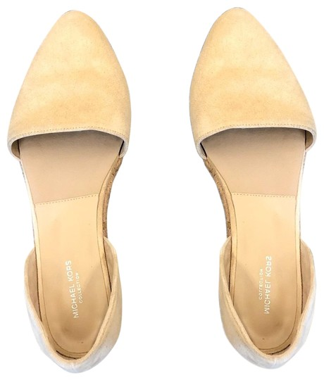 Preload https://img-static.tradesy.com/item/24598364/michael-kors-beige-flats-size-us-65-regular-m-b-0-1-540-540.jpg