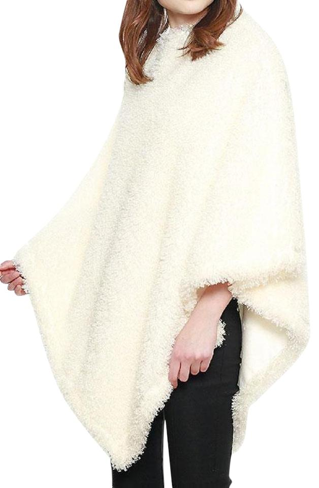 fb8f66314 White New with Tags Soft Textured Boucle Faux Fur Poncho/Cape Size ...