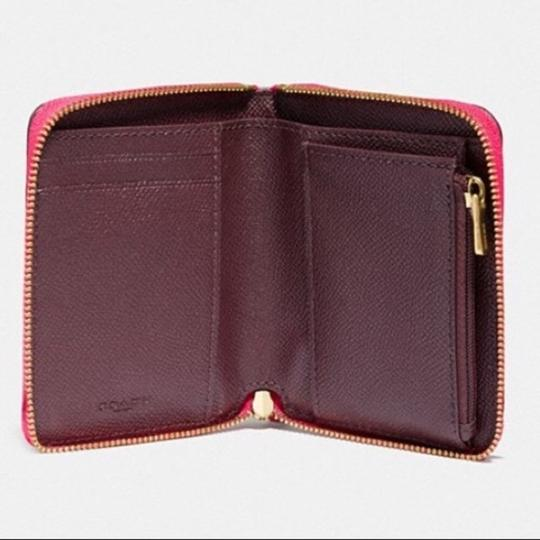 Coach NWT COACH Small Zip Around Wallet In Signature Leather Neon Pink Gold Image 1