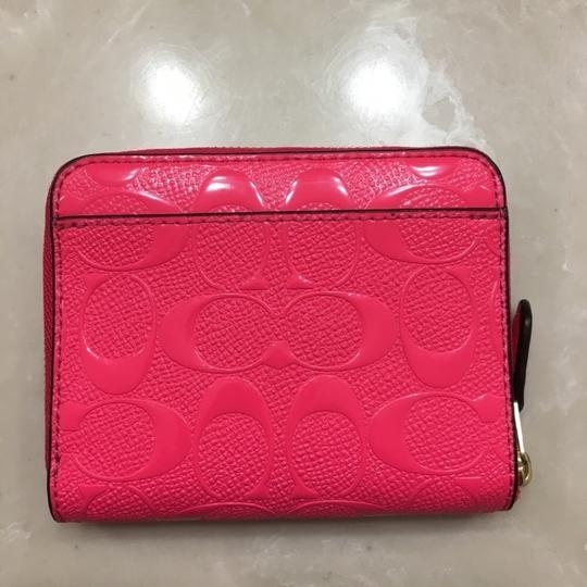 Coach NWT COACH Small Zip Around Wallet In Signature Leather Neon Pink Gold Image 3