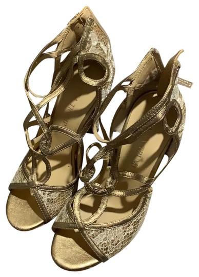 Preload https://img-static.tradesy.com/item/24598569/ivanka-trump-gold-ithatla2-formal-shoes-size-us-55-regular-m-b-0-1-540-540.jpg
