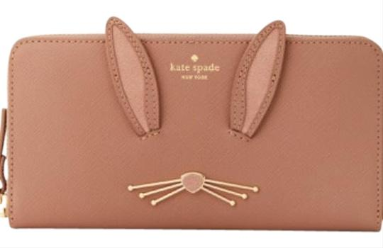 Preload https://img-static.tradesy.com/item/24598592/kate-spade-desert-muse-multi-rabbit-lacey-leather-wristlet-0-1-540-540.jpg