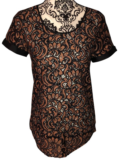 Preload https://img-static.tradesy.com/item/24598763/express-black-and-nude-lace-blouse-size-2-xs-0-1-650-650.jpg
