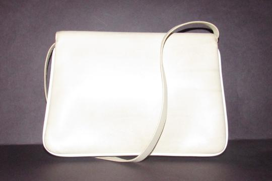 Gucci Early Style Two-way Style Clutch/Shoulder Mint Condition Ivory/White Shoulder Bag Image 1