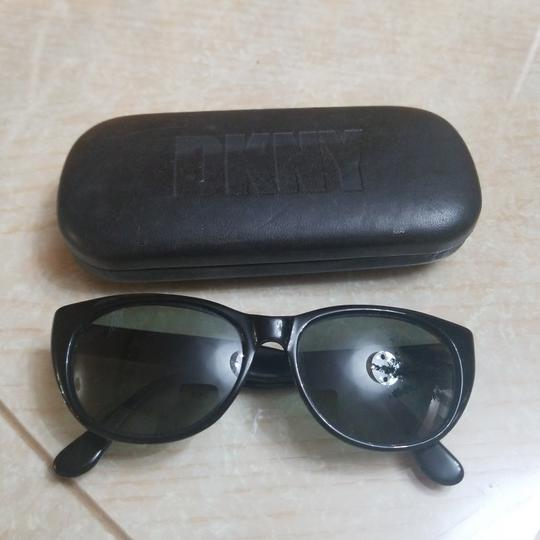 Preload https://img-static.tradesy.com/item/24599213/dkny-black-vintage-sunglasses-0-0-540-540.jpg