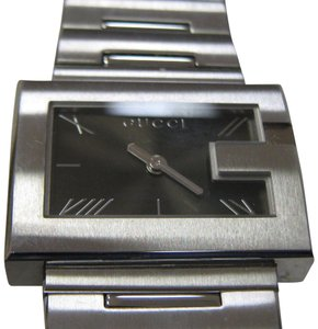 d5166760014 Gucci Women s Gucci G-Series Watch Model Swiss Accurate Time Pristine