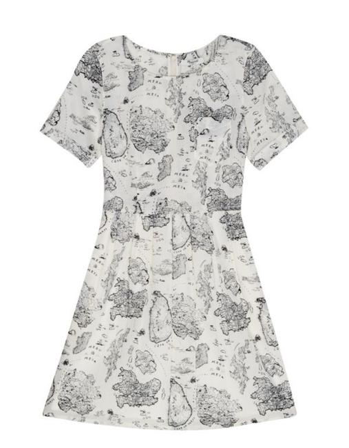 Preload https://img-static.tradesy.com/item/24599728/madewell-white-and-black-map-view-short-casual-dress-size-6-s-0-0-650-650.jpg