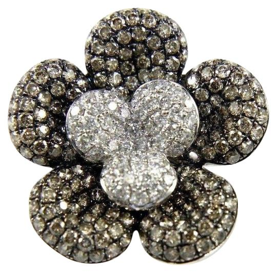 Preload https://img-static.tradesy.com/item/24600030/black-and-silver-round-fancy-color-diamond-flower-shape-cluster-18k-wg-262ct-ring-0-1-540-540.jpg