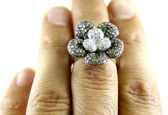 Other Round Fancy Color Diamond Flower Shape Cluster Ring 18k WG 2.62Ct Image 3