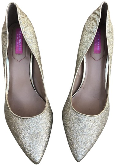 Preload https://img-static.tradesy.com/item/24600110/isaac-mizrahi-gold-islamist-pumps-size-us-95-regular-m-b-0-1-540-540.jpg