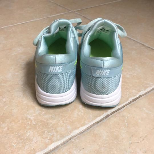 Nike baby blue with neon yellow swoosh Athletic Image 3