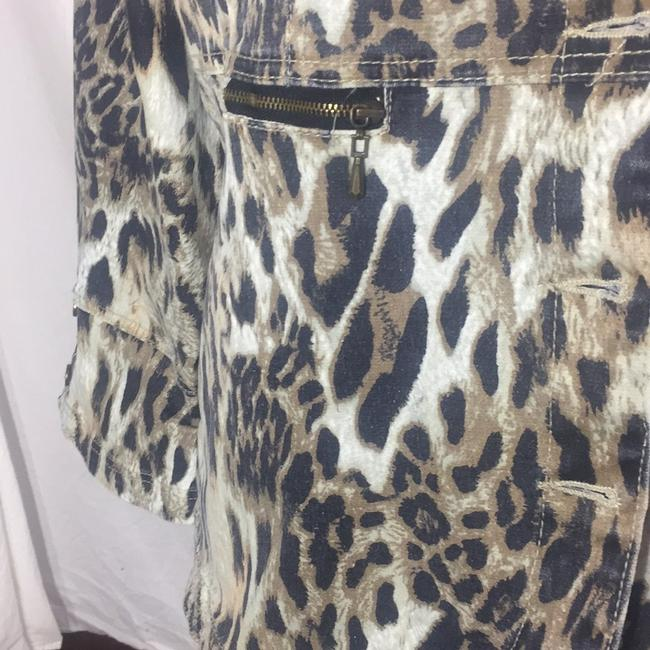 DG leopard like new condition Jacket Image 3