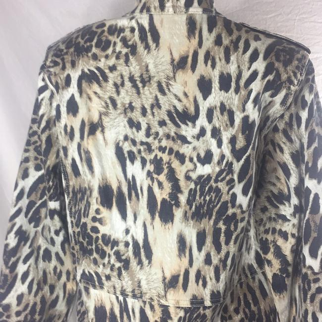DG leopard like new condition Jacket Image 4