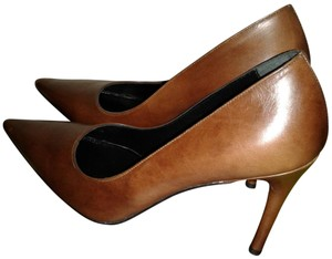 Gucci Leather Brown Pumps