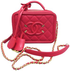 a84d05e64ec2 Red Chanel Laptop Bags - Up to 90% off at Tradesy