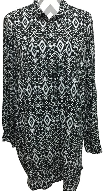 Preload https://img-static.tradesy.com/item/24602371/black-and-white-print-tunic-size-16-xl-plus-0x-0-1-650-650.jpg