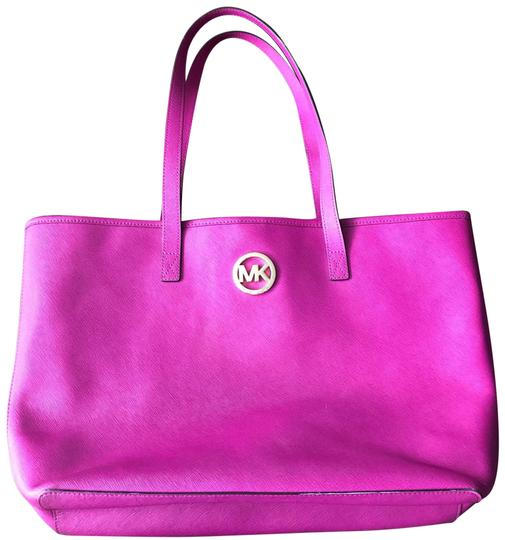 Preload https://img-static.tradesy.com/item/24602540/michael-kors-saffiano-fuschia-pink-leather-tote-0-1-540-540.jpg