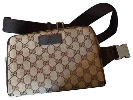 Preload https://img-static.tradesy.com/item/24602605/gucci-fanny-pack-waist-brown-clutch-0-1-540-540.jpg