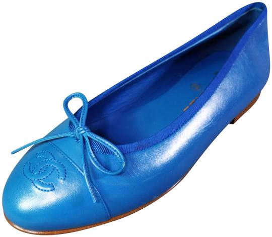Preload https://img-static.tradesy.com/item/24602882/chanel-bright-blue-leather-ballet-ballerina-cap-round-toe-new-flats-size-eu-395-approx-us-95-regular-0-1-540-540.jpg