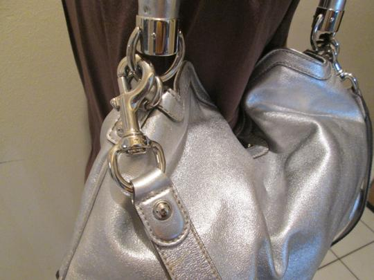 Gucci Indy Satchel in Silver