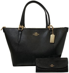 Coach Zip Top Shoulder Classic Leather Tote in black