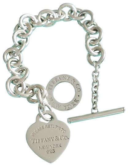 Preload https://img-static.tradesy.com/item/24603823/tiffany-and-co-please-return-to-heart-tag-toggle-new-version-bracelet-0-3-540-540.jpg