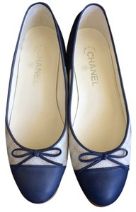 Chanel Light Beige/Navy Flats