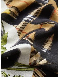Burberry AUTHENTIC NEW Graffiti Archive Print Scarf