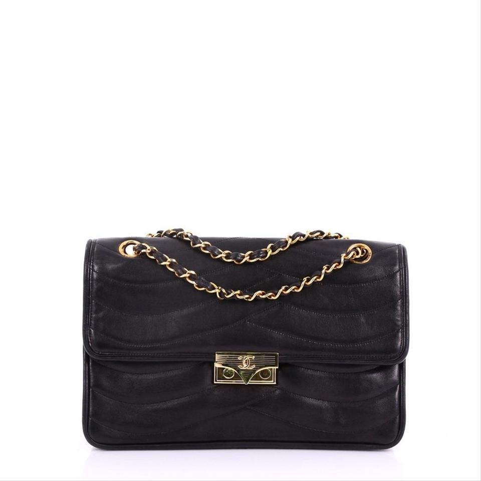 9bdee0cde036 Chanel Classic Flap Vintage Cc Chain Quilted Medium Black Lambskin Leather  Shoulder Bag