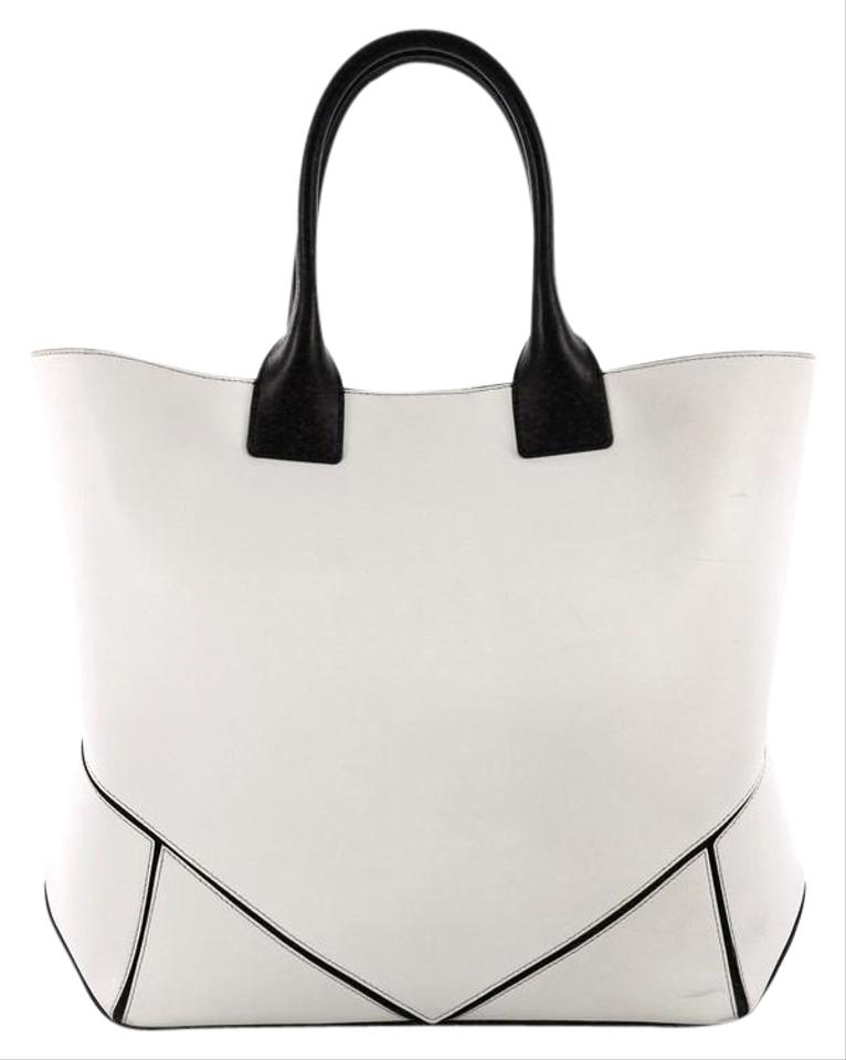 7ae98b17ac07 Givenchy Easy Convertible Medium White Leather Tote - Tradesy