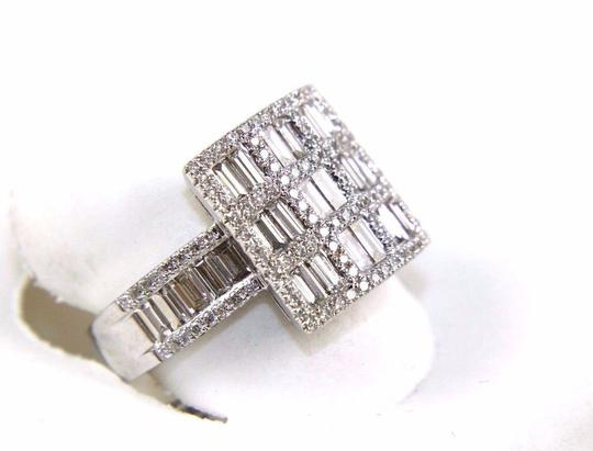 Other Emerald & Round Diamond Cluster Square Ring 18k White Gold 1.80Ct Image 1