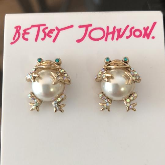Betsey Johnson Pearl Frogs Studs Image 1