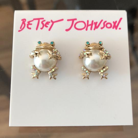 Betsey Johnson Pearl Frogs Studs Image 2