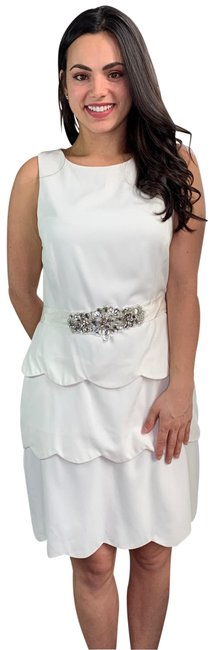 Item - White Belle Crepe Cupcake Scallop Mid-length Cocktail Dress Size 12 (L)