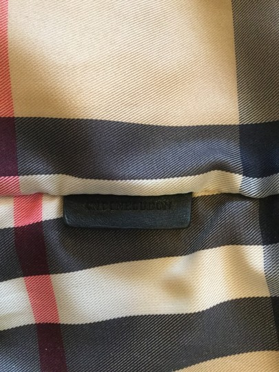 Burberry Tote in Red Image 9