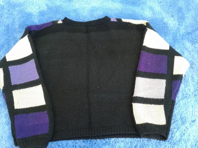 The Artisan Hand Knitted Wool Crew Neck Style Sweater Image 4