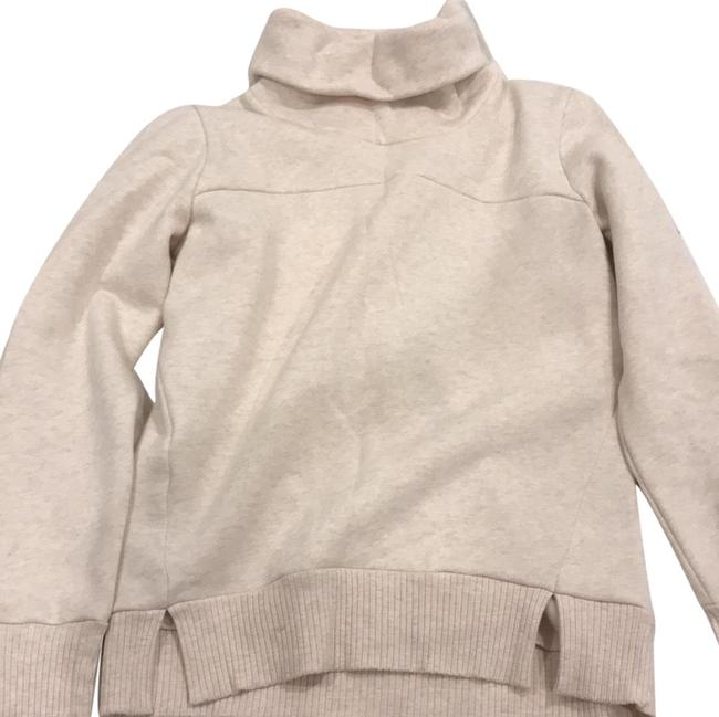 Preload https://img-static.tradesy.com/item/24608766/alo-beige-turtle-neck-pullover-activewear-outerwear-size-4-s-0-1-650-650.jpg