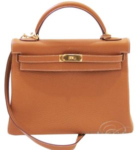 Hermès Kelly Classic Style Satchel in Gold