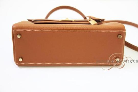 Hermès Kelly Classic Style Satchel in Gold Image 4