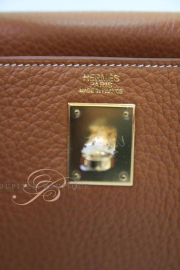 Hermès Kelly Classic Style Satchel in Gold Image 6
