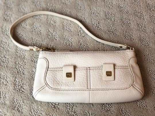 Michael Kors Wristlet in ivory Image 1