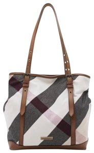 Burberry Check - Up to 70% off at Tradesy 892322b26cd8d