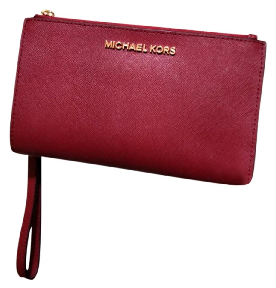 392234c7182b Michael Kors Michael Kors Jet set travel double zip leather phone Wristlet  Wallet Image 0 ...
