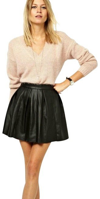 Item - Black Faux Leather Pleated Skirt Size 10 (M, 31)