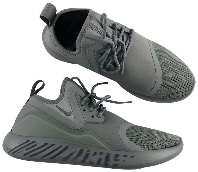 Item - Green Women's Lunarcharge Essential Features A Comfortable Neoprene Boot Construction. Style/Color: Sneakers Size US 8 Narrow (Aa, N)