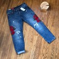 Levi's Blue Red Distressed 501 Tapered Button Fly Capri/Cropped Jeans Size 0 (XS, 25) Levi's Blue Red Distressed 501 Tapered Button Fly Capri/Cropped Jeans Size 0 (XS, 25) Image 2