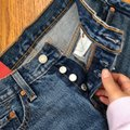 Levi's Blue Red Distressed 501 Tapered Button Fly Capri/Cropped Jeans Size 0 (XS, 25) Levi's Blue Red Distressed 501 Tapered Button Fly Capri/Cropped Jeans Size 0 (XS, 25) Image 7