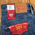 Levi's Blue Red Distressed 501 Tapered Button Fly Capri/Cropped Jeans Size 0 (XS, 25) Levi's Blue Red Distressed 501 Tapered Button Fly Capri/Cropped Jeans Size 0 (XS, 25) Image 8
