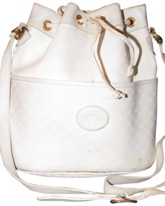 1c12408521cc79 Added to Shopping Bag. Gucci Drawstring Top Bucket Style Classic Style Cc/ Leather Satchel in white small ...